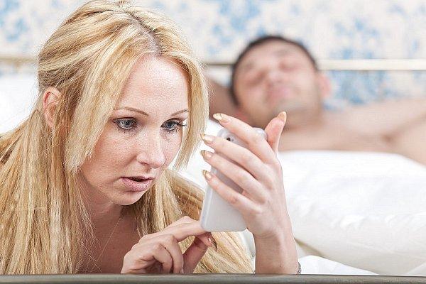 Aké sú signály toho, že vás partner podvádza?