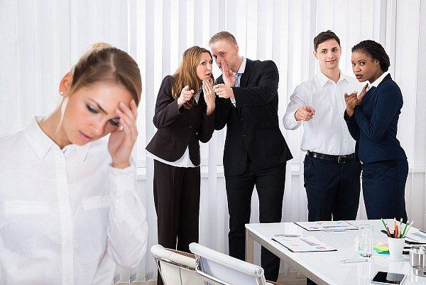 Nikdy sa nenechajte v práci šikanovať
